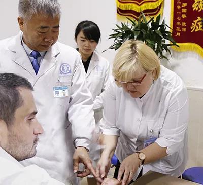 """4.15""""全国白癜风防治日""""博润在行动—打造国际性专业医院!"""